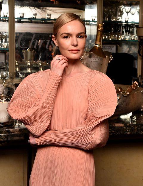 "<p><strong data-redactor-tag=""strong"" data-verified=""redactor"">Kate Bosworth(ケイト・ボスワース)</strong></p>  <p>1983年生まれ、ロサンゼルス出身の女優。瞳の色が左右で異なるオッドアイを持つことでも知られる。過去には、オーランド・ブルームと交際していた時期も!</p>"