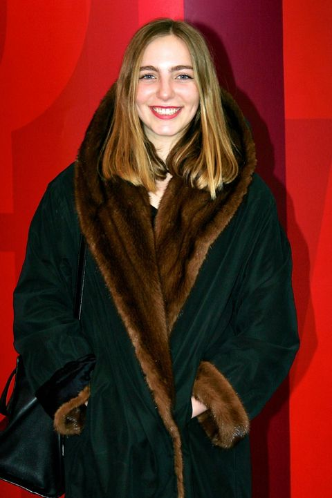 Sleeve, Textile, Bag, Fashion, Jacket, Luggage and bags, Fur, Long hair, Leather, Blond,