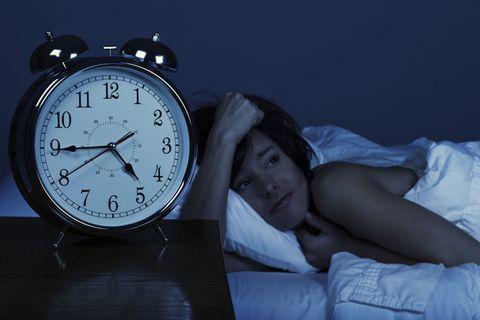 夜中 に 何 度 も 目 が 覚める