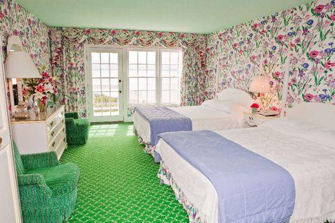 ディタ・フォン・ティースが案内する「世界のホテル」