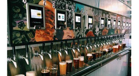 日本でも始めてほしい!好きなビールを自分で注ぐ「ビールATM」
