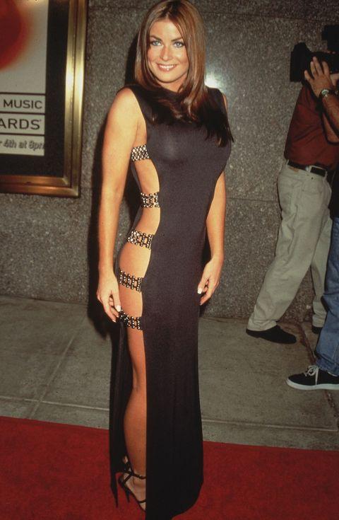 "<p>モードなセクシーさ全開の女優カルメン・エレクトラは、90年代のジジ・ハディッド。<span class=""redactor-invisible-space""></span></p>"