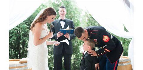 新郎の連れ子に「誓いの言葉」を送る花嫁/感動のウェディング