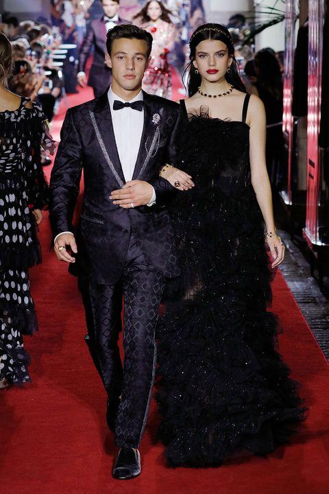 Red carpet, Carpet, Clothing, Fashion, Flooring, Dress, Formal wear, Premiere, Haute couture, Event,