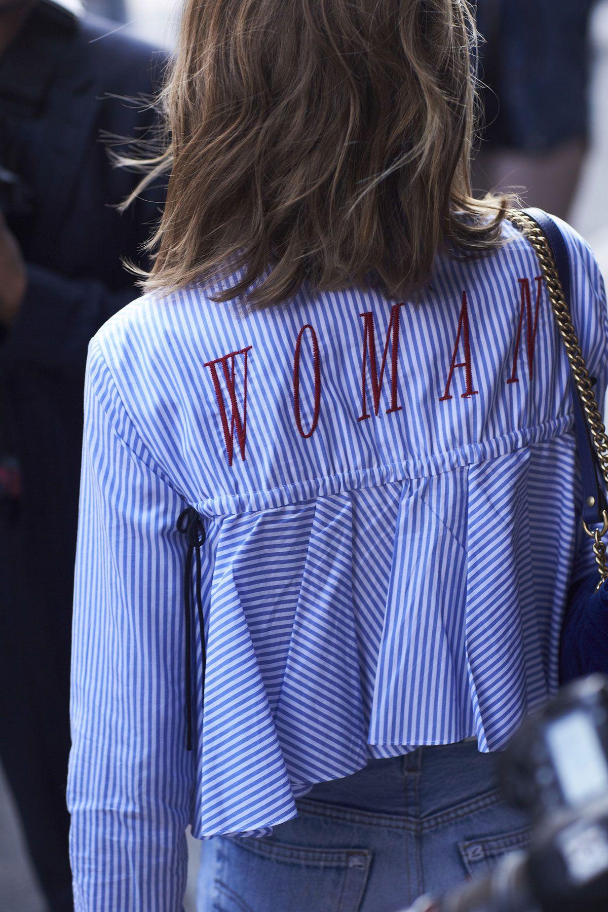 """トレンドのストライプシャツを彩る""""WOMAN""""<span class=""""redactor-invisible-space""""></span><p></p>"""