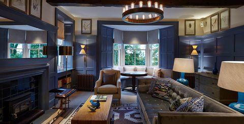 """<p>加盟ホテルのなかから見事ランキングのトップに選ばれたのは、英国・コッツウォルズにある「ドーミーハウスホテル(Dormy House Hotel)」。今回のランキング決定に際しては、SLH会員のロイヤリティプログラム""""INVITED""""のメンバーと、高級ホテルを扱う旅行代理店による評価を初めて採用。数ある名ホテルのなかから、晴れて1位の座が決まった。<span class=""""redactor-invisible-space""""></span><span class=""""redactor-invisible-space""""></span></p>"""