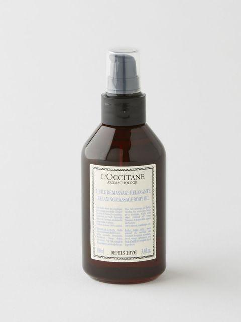 """<p>ラベンダーやゼラニウムなど、広大な自然の中で育った植物たちの香りをぎゅっと詰め込んだ「プロヴァンスアロマシリーズ」。スウィートアーモンドオイルを豊富に含んだマッサージオイルは全身をなめらかに保湿しながら、まるで植物そのものを堪能しているかのようにピュアな香りで心まで癒してくれる。<br></p><p>ロクシタン リラクシング マッサージオイル 100ml 5,000円(税抜)</p><p>問い合わせ先:<a href=""""https://jp.loccitane.com/"""" target=""""_blank"""" data-tracking-id=""""recirc-text-link"""">ロクシタンジャポン</a></p><p><span class=""""Hyperlink0"""" data-verified=""""redactor"""" data-redactor-tag=""""span"""" data-redactor-class=""""Hyperlink0""""></span></p>"""