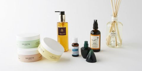 Product, Beauty, Bottle, Glass bottle, Liquid, Personal care, Hair care,