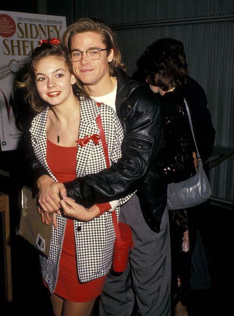 """<p>ドラマで恋人役を演じたシャレーン・マッコールと、実生活でも恋に落ちたブラッド。だが彼女はわずか17歳で別の男性と結婚、ブラッドとの関係もおしまいに。<span class=""""redactor-invisible-space""""></span></p>"""