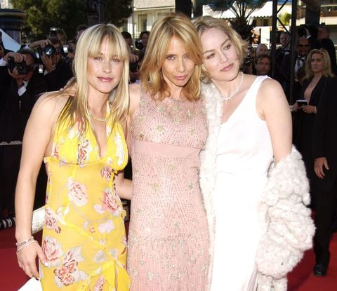 Red carpet, Premiere, Clothing, Dress, Event, Carpet, Hairstyle, Fashion, Flooring, Blond,