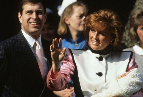 """<p>エリザベス女王の次男として生まれたアンドルー王子はチャールズ皇太子の弟。1986年6月23日にセーラ・ファーガソンと結婚し、その一年後に第1子となるベアトリス王女が誕生した。2人のスキャンダルが連日メディアを賑わせたのは有名な話。そして1996年に離婚を発表し、10年の結婚生活に終止符を打った。<span class=""""redactor-invisible-space"""" data-verified=""""redactor"""" data-redactor-tag=""""span"""" data-redactor-class=""""redactor-invisible-space""""></span></p>"""