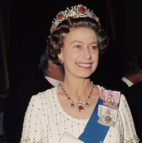 エリザベス女王が所有する「ラグジュアリーなジュエリー」16選