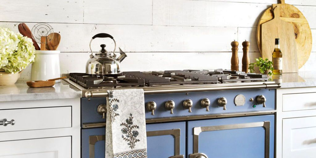 Buried Under Plain Jane Finishes, This Texas Kitchen Was Just Waiting To Be  Restored To Its Authentic Farmhouse Style.