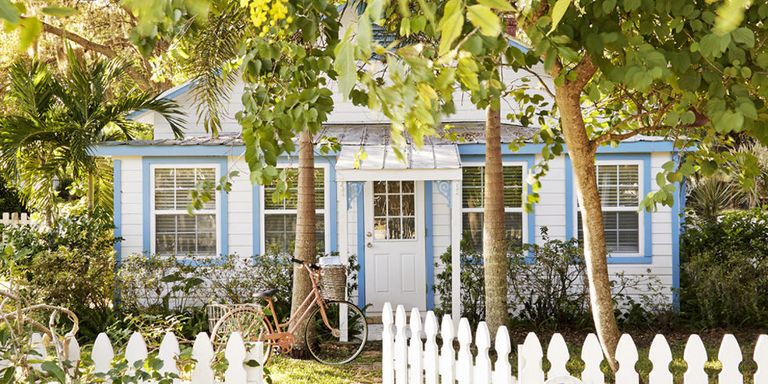 Fifi ONeill Florida Tiny House - Colorful Cottage Decorating Ideas