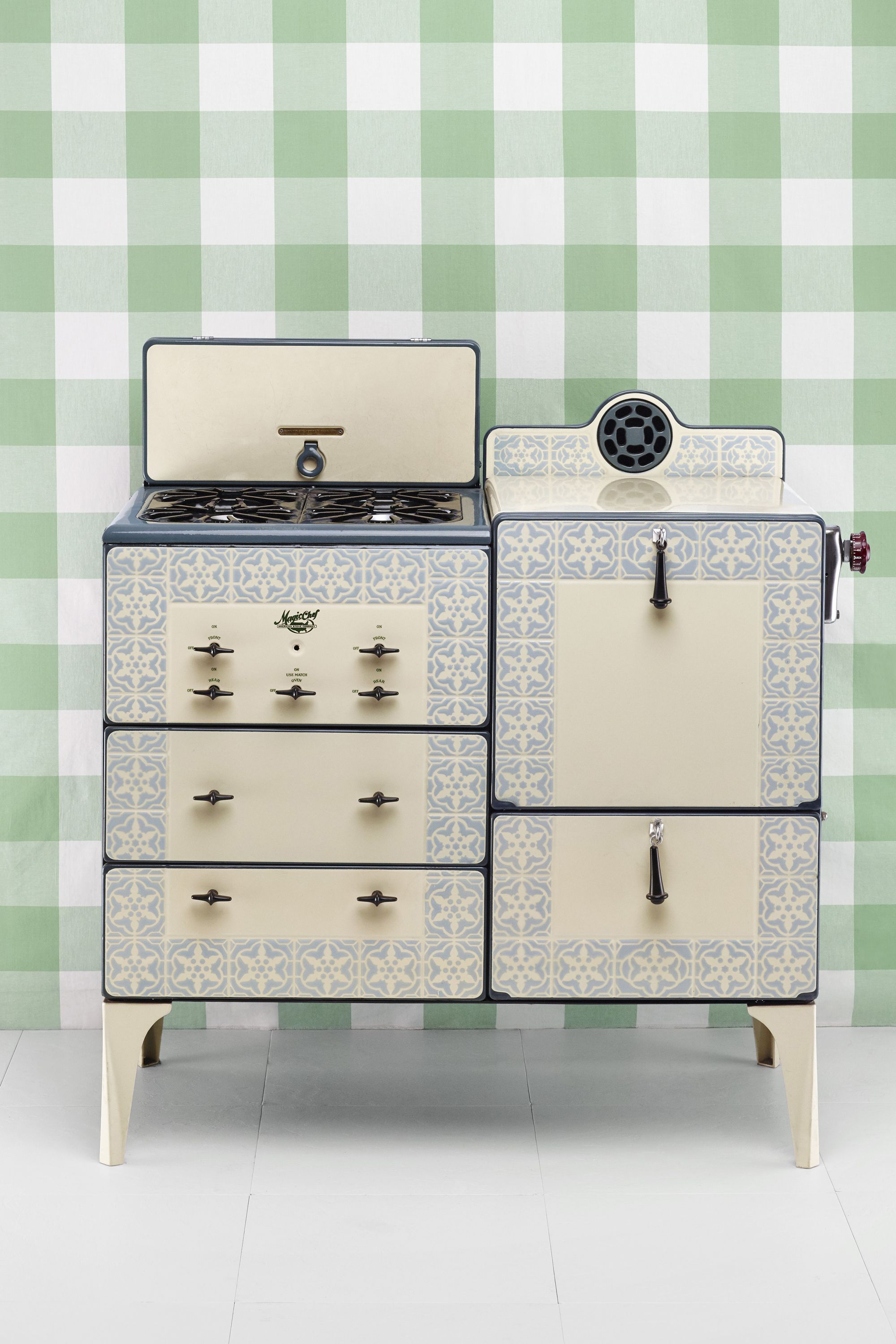 Antique Stoves - Vintage Stoves