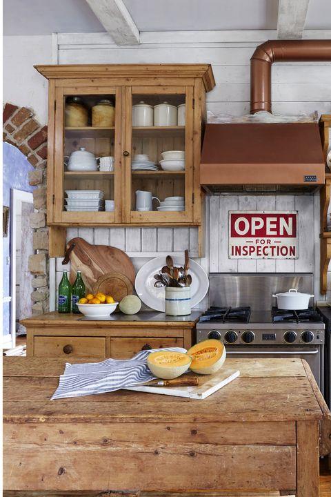 farmhouse-kitchen-shelving-0415-1