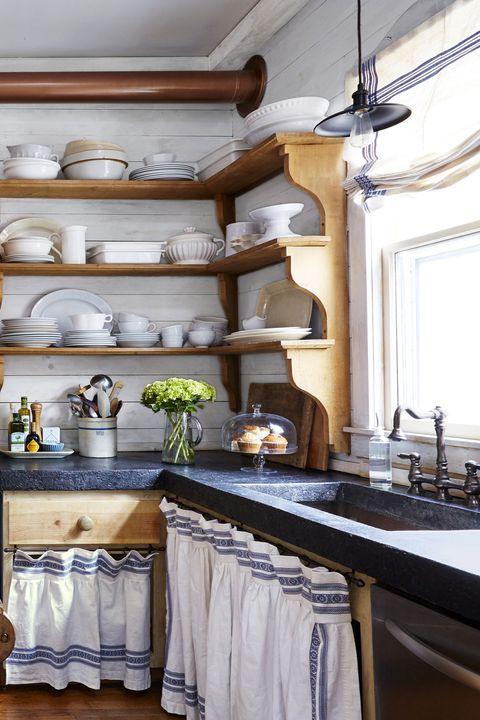 farmhouse-kitchen-shelving-0415-2