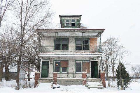 Branch, Winter, Property, House, Home, Freezing, Facade, Real estate, Door, Building,
