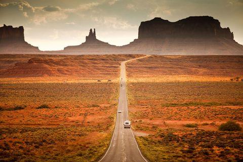 Road, Road surface, Mountainous landforms, Infrastructure, Landscape, Natural landscape, Highway, Plain, Horizon, Thoroughfare,