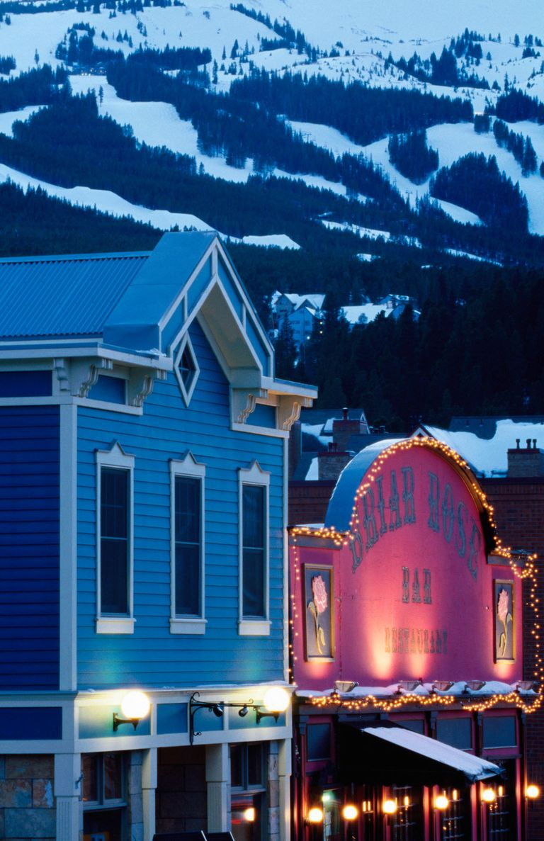 18 Best Small Towns in America - Prettiest Small Towns in America