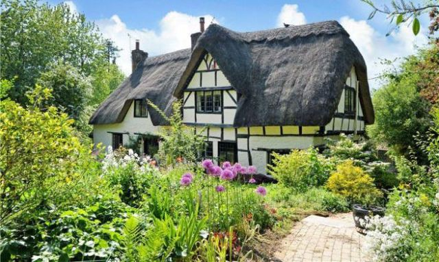 this thatched english cottage for sale is pure magic wiltshire rh countryliving com english cottage for sale cornwall english country cottages for sale