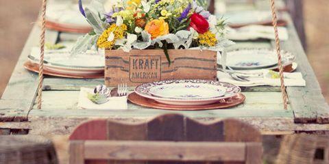 Bouquet, Petal, Tablecloth, Flower Arranging, Cut flowers, Door, Floristry, Floral design, Home accessories, Still life photography,