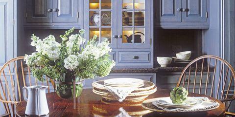 Serveware, Yellow, Dishware, Room, Bouquet, White, Flower, Petal, House, Home,