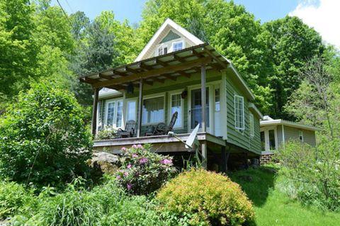 Vegetation, Plant, Window, Property, House, Real estate, Home, Building, Shrub, Roof,