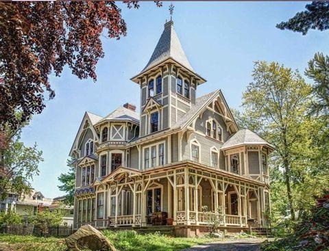 Property, Real estate, Landmark, Facade, House, Home, Porch, Spire, Roof, Finial,
