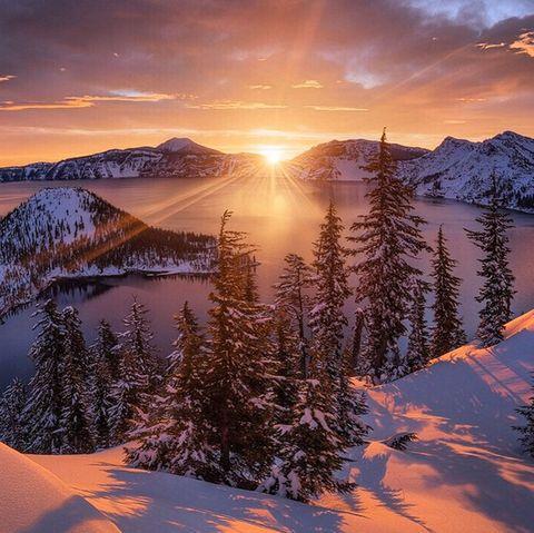 Mountainous landforms, Winter, Natural landscape, Mountain range, Snow, Sunrise, Mountain, Evening, Dusk, Sunlight,