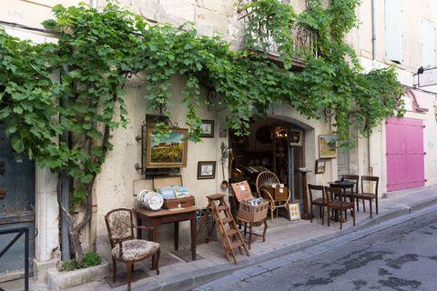 Table, Furniture, Outdoor furniture, Outdoor table, Flowerpot, Chair, Door, Kitchen & dining room table, Houseplant, Restaurant,