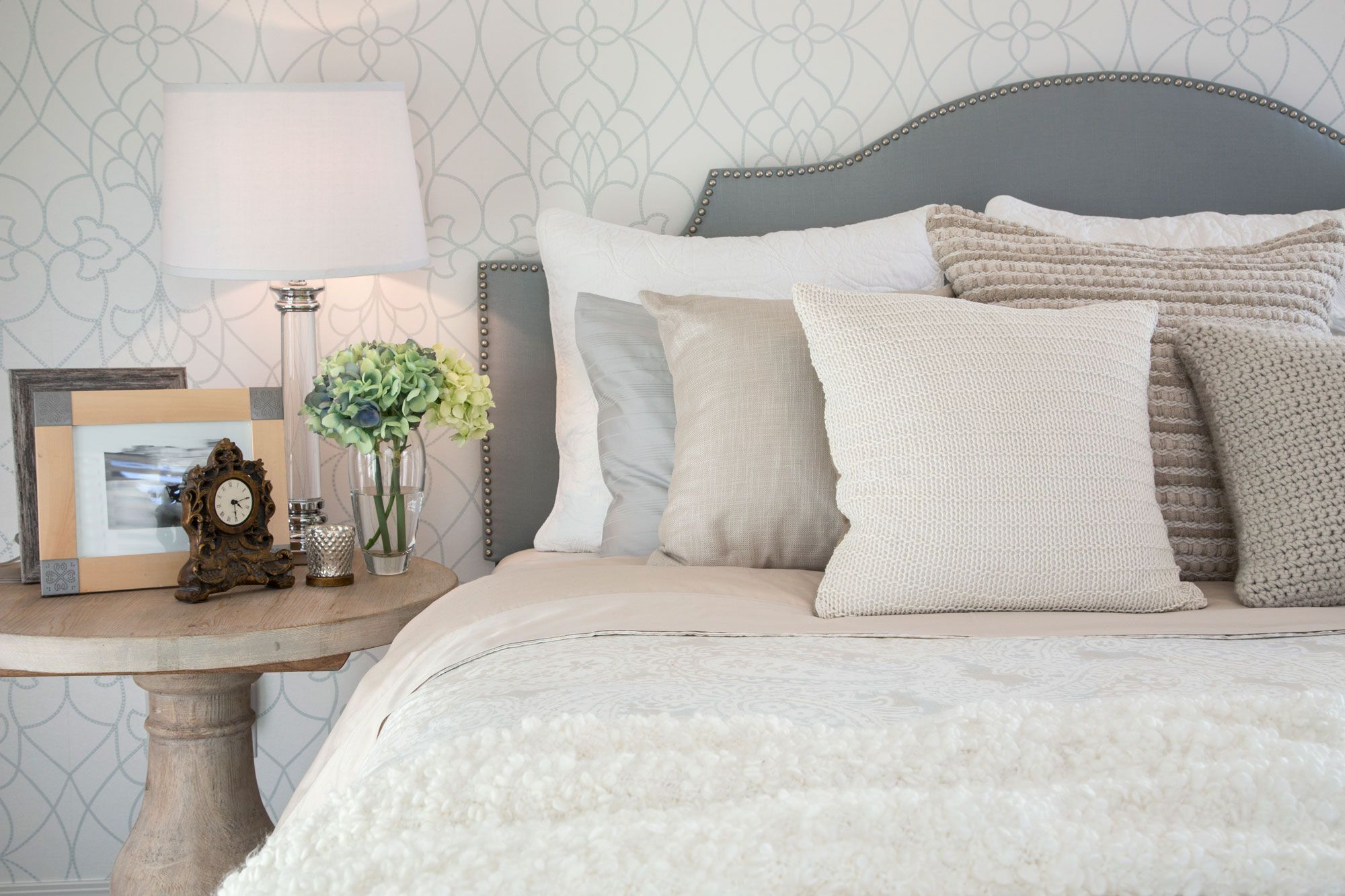 Steal These Bedroom Decorating Tips For A Better Nightu0027s Sleep