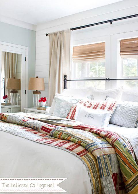 Bed, Interior design, Room, Property, Bedding, Bedroom, Textile, Bed sheet, Linens, Window treatment,