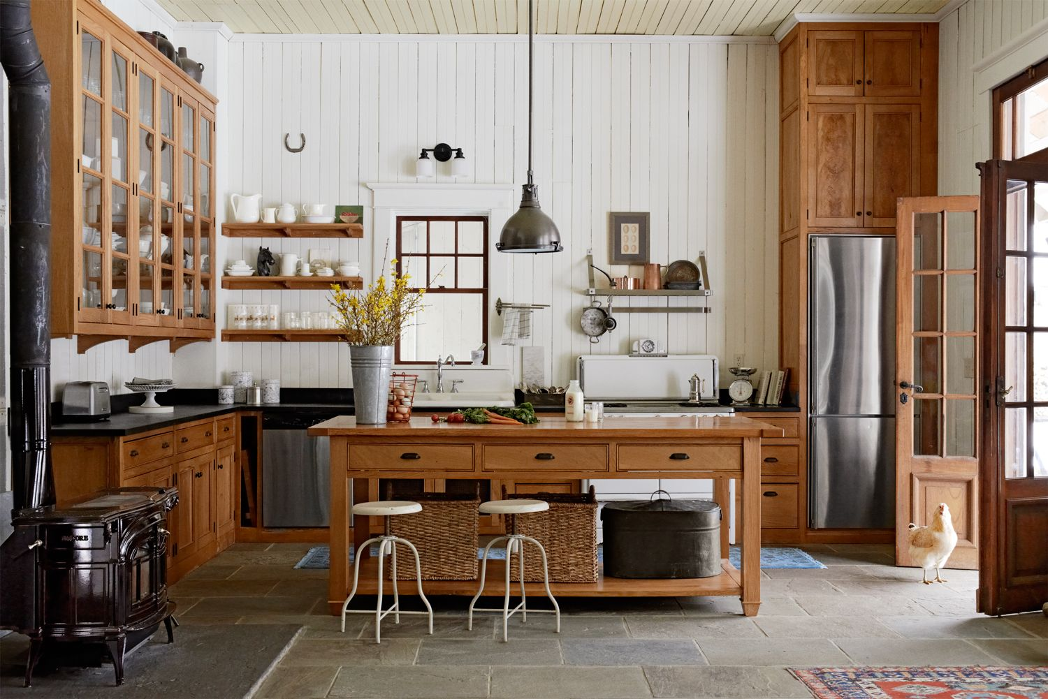 8 ways to add authentic farmhouse style to your kitchen jeff and rh countryliving com