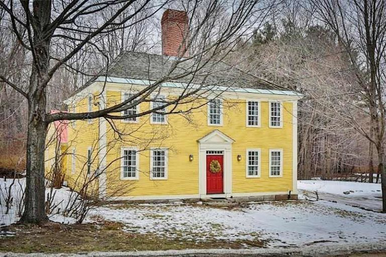 Old fashioned houses for sale 60