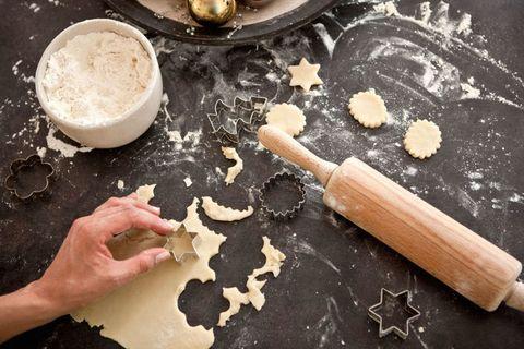 Ingredient, Food, Flour, Powder, Whole-wheat flour, Bread flour, Kitchen utensil, Cooking, All-purpose flour, Recipe,
