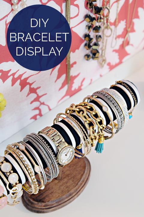 Product, Font, Brass, Bangle, Body jewelry, Bronze, Bracelet, Circle, Souvenir, Copper,