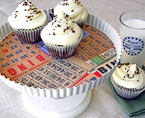 Food, Cupcake, Baked goods, Dessert, White, Baking cup, Sweetness, Drinkware, Cake decorating supply, Cake,