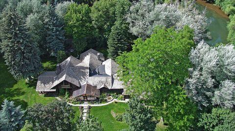 Vegetation, House, Shrub, Garden, Home, Roof, Groundcover, Evergreen, Cottage, Farmhouse,