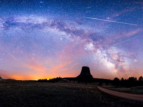 Sky, Atmosphere, Astronomical object, Star, Horizon, Space, Dusk, Astronomy, Galaxy, Evening,