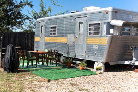 Transport, Shade, Yard, Lawn, Travel trailer, Caravan, Outdoor table, Classic, RV,