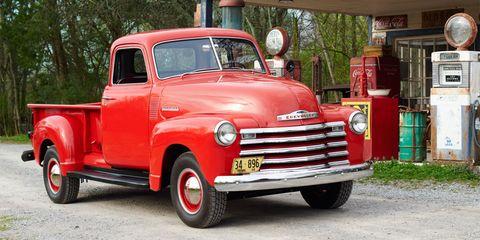 Motor vehicle, Automotive design, Vehicle, Land vehicle, Transport, Fender, Bumper, Grille, Pickup truck, Classic,