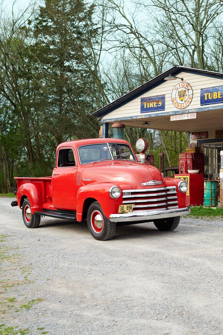 classic american pickup trucks history of pickup trucks. Black Bedroom Furniture Sets. Home Design Ideas