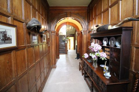 The Dowager Countess House From Downton Abbey Is Up For Sale Byfleet Manor On The Market