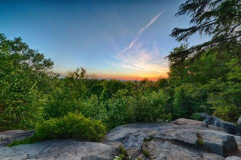 Nature, Natural landscape, Sun, Plant community, Rock, Bedrock, Sunlight, Nature reserve, Outcrop, Sunrise,