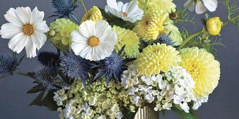 Petal, Yellow, Bouquet, Flower, Cut flowers, Artifact, Floristry, Flower Arranging, Centrepiece, Vase,