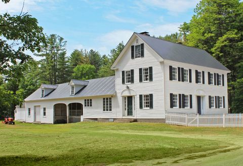 5 historic homes for sale with 10 acres or more tim for Country home builders near me