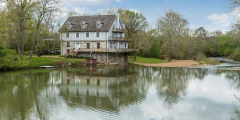 Body of water, Reflection, Property, Water resources, Water, House, Bank, Landscape, Real estate, Building,