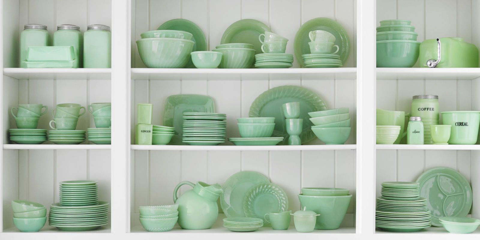 These green glass pieces will put your kitchen shelves and cupboards in mint condition. & Jadeite - Jadeite Kitchenware