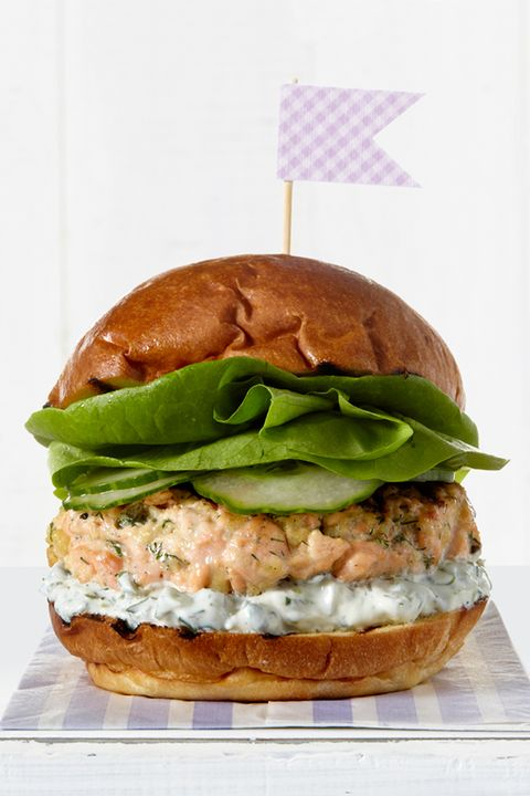 Finger food, Food, Sandwich, Produce, Cuisine, Leaf vegetable, Baked goods, Ingredient, Dish, Bun,
